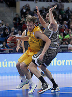 Herbalife Gran Canaria's Brad Newley (l) and Uxue Bilbao Basket's Alex Mumbru during Spanish Basketball King's Cup match.February 07,2013. (ALTERPHOTOS/Acero)