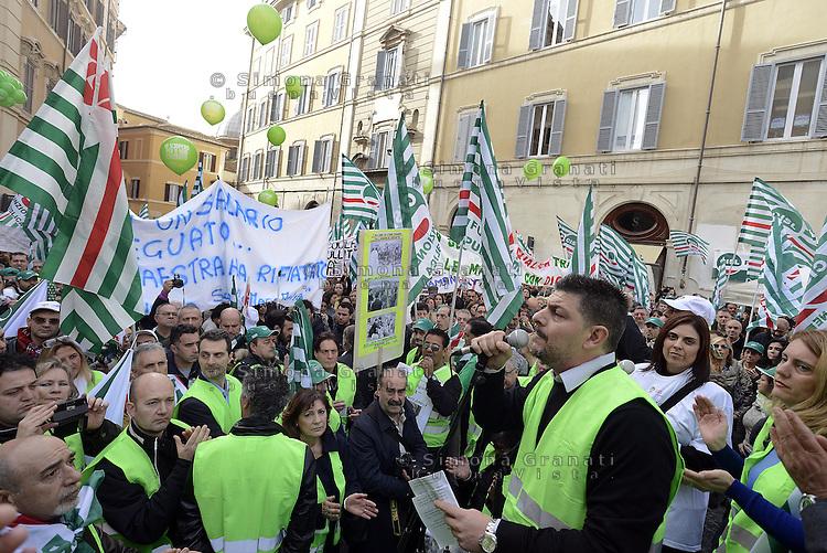 Roma, 1 Dicembre 2014<br /> Sciopero dei lavoratori e dele lavoratrici del pubblico impiego indetto dalla CISL per la difesa del contratto.<br /> Manifestazione in Piazza Montecitorio