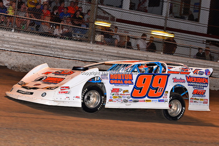 Feb 20, 2014; 7:01:58 PM;  Barberville, FL, USA;  World of Outlaws Late Model Series for 43rd Annual DIRTcar Nationals presented by Summit Racing Equipment at Volusia Speedway Park.  Mandatory Credit: (thesportswire.net)