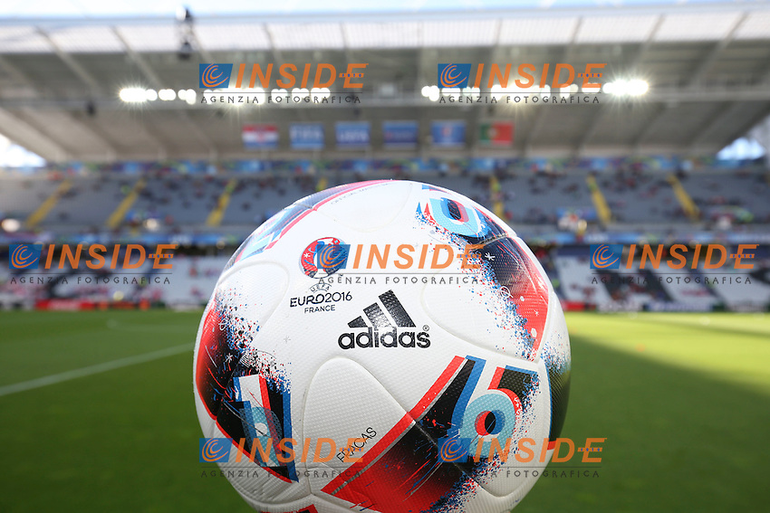 Official Ball Pallone ufficiale <br /> Lens 256-06-2016 Stade Bollaert-Delelis Football Euro2016 Croatia - Portugal / Croazia - Portogallo of 16. Foto Gwendoline Le Goff / Panoramic / Insidefoto