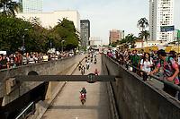 SÃO PAULO,SP, 22.03.2016 - PROTESTO-EDUCAÇÃO - Manifestantes secundaristas protestam contra o desvio de verbas da merenda escolar da rede estadual de ensino, na avenida Rebouças, na zona oeste de São Paulo, nesta terça-feira, 22. (Foto: Gabriel Soares/Brazil Photo Press)