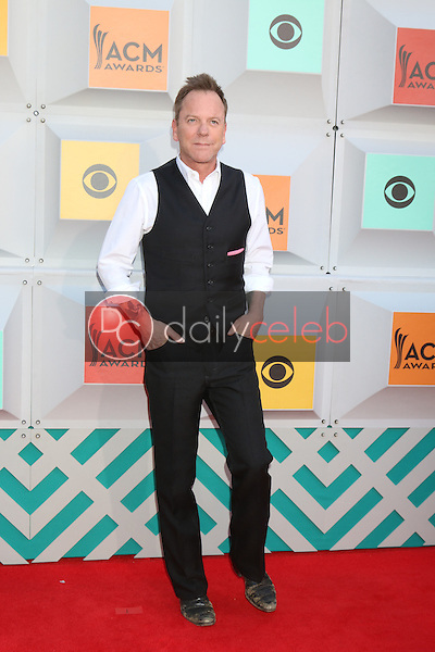 Kiefer Sutherland<br /> at the 2016 Academy of Country Music Awards Arrivals, MGM Grand Garden Arena, Las Vegas, NV 04-03-16<br /> David Edwards/DailyCeleb.com 818-249-4998
