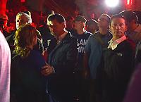 MEX141 CIUDAD DE MÉXICO (MÉXICO), 19/09/2017.- Fotografía cedida por la casa presidencial hoy, martes 19 de septiembre de 2017, del presidente Enrique Peña Nieto (c) y el jefe de gobierno capitalino, Miguel Ángel Mancera (i), durante su visita a la zona devastada en Ciudad de México, (México). Por lo menos 20 niños y dos adultos murieron, y otras 38 personas están desaparecidas, en una escuela que se derrumbó en el sur de Ciudad de México a causa del sismo que hoy sacudió amplias porciones del país, informó el presidente Enrique Peña Nieto. EFE/PRESIDENCIA DE MÉXICO/SOLO USO EDITORIAL / NO VENTAS