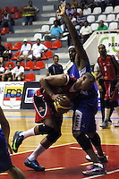 CUCUTA  -COLOMBIA. 1-04-2014. Juego de la Liga DirecTv 1  de baloncesto entre los conjuntos Halcones de Cucuta y Guerreros de Bogota disputado  en el coliseo Toto Hernandez ./ Game 1 Liga DirecTv basketball game between Halcones de Cucuta  and Guerreros de Bogota  dispute in the coliseum Toto Hernandez. Photo: VizzorImage / Manuel Hernandez / Stringer