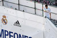MADRID, ESPANHA, 04 MAIO DE 2012 - COMEMORACAO REAL MADRID - Iker Casillas  goleiro jogadores do Real Madrid, celebra o titulo da Liga Espanhola, na Praca Cibeles no centro de Madrid, ontem quinta-feira, 3. (FOTO: ARNEDO  ALCONADA / ALTER / ALFAQUI / BRAZIL PHOTO PRESS)