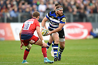 Henry Thomas of Bath Rugby looks to pass the ball. Aviva Premiership match, between Bath Rugby and Worcester Warriors on October 7, 2017 at the Recreation Ground in Bath, England. Photo by: Patrick Khachfe / Onside Images