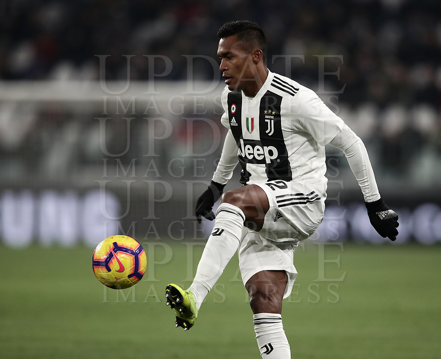 Calcio, Serie A: Juventus - Chievo Verona, Turin, Allianz Stadium, January 21, 2019.<br /> Juventus&rsquo; Alex Sandro in action during the Italian Serie A football match between Juventus and Chievo Verona at Torino's Allianz stadium, January 21, 2019.<br /> UPDATE IMAGES PRESS/Isabella Bonotto