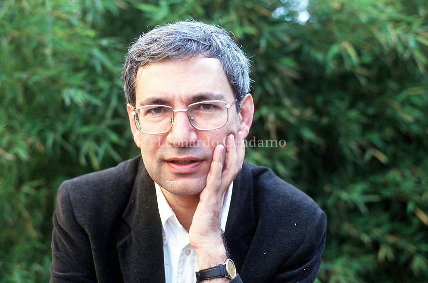 2000: ORHAN PAMUK © Leonardo Cendamo