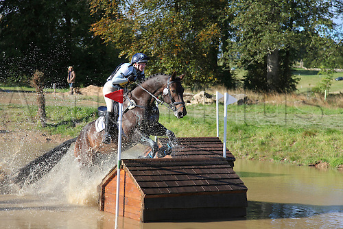 25.09.2010 Equestrian Aske Horse trials, North Yorkshire, UK. . Dr Claire Fotheringham riding Royal S.