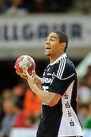 Daniel Narcisse (THW) am Ball