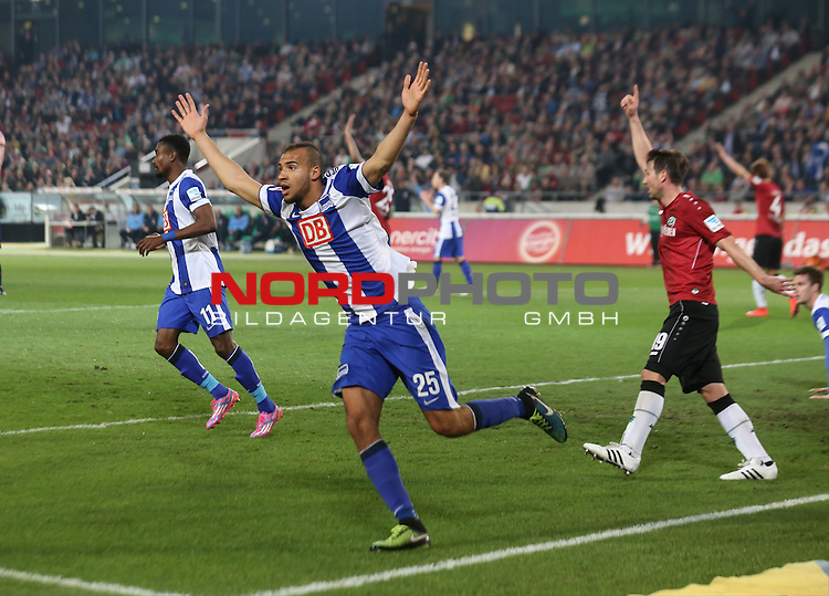 10.04.2015, HDI-Arena, Berlin, GER, 1.FBL,Hannover 96 vs. Hertha BSC  , im Bild Abseits Tor, John Anthony Brooks (Hertha BSC Berlin)<br /> <br />               <br /> Foto &copy; nordphoto /  Engler