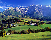 AUT, Oesterreich, Salzburger Land, Dienten vorm Hochkoenig (2.941 m) | AUT, Austria, Salzburger Land, Dienten and Hochkoenig mountain range