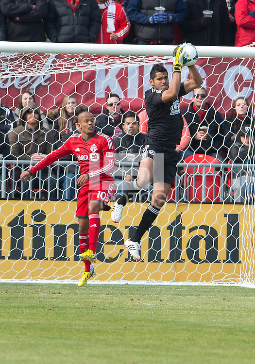 06 April 2013: FC Dallas goalkeeper Raul Fernandez #1 and Toronto FC forward Robert Earnshaw #10 in action during an MLS game between FC Dallas and Toronto FC at BMO Field in Toronto, Ontario Canada..The game ended in a 2-2 draw..