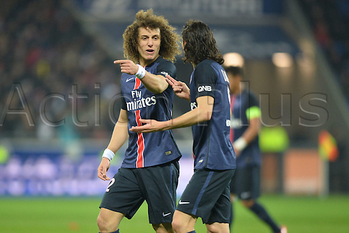 28.02.2016. Lyon, France. French League 1 football. Olympique Lyon versus Paris St Germain.  DAVID LUIZ (psg) chats with defenders
