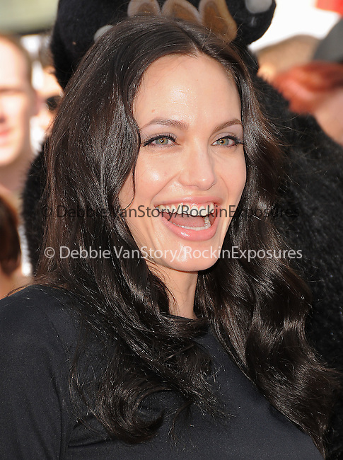 Angelina Jolie at Dreamworks Animation's debut of The Kung Fu Panda & Secrets of The Furious DVD & Blue-Ray Release held at The Grauman's Chinese Theatre in Hollywood, California on November 09,2008                                                                     Copyright 2008 Debbie VanStory/RockinExposures