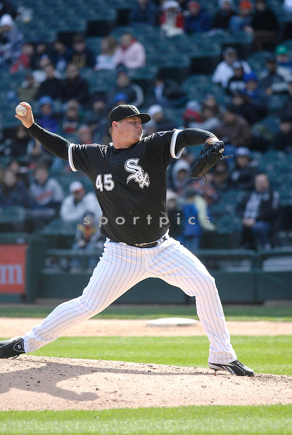 BOBBY JENKS, of the Chicago White Sox, in action during their series against the Cleveland Indians in Chicago, IL....CHRIS BERNACCHI/ SPORTPICS..
