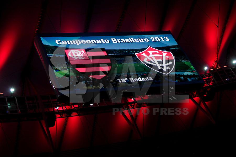 RIO DE JANEIRO, RJ, 04.09.2013 -  Flamengo joga contra o Vitória, nesta quarta-feira, pela décima oitava rodada do Campeonato Brasileiro no Estádio do Maracanã. (Foto. Néstor J. Beremblum / Brazil Photo Press).