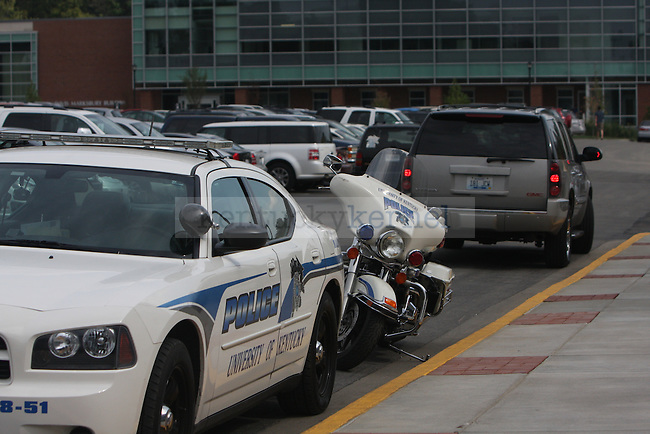 UKPD was parked outside of Joe Craft Center as students gather to get high profile NBA players autographs. Photo by Quianna Lige | Staff