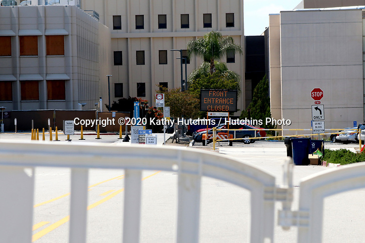 LOS ANGELES - APR 11:  Loma Linda University Medical Center entrance closed at the Hospital changes due to COVID-19 at the Loma Linda University Medical Center on April 11, 2020 in Loma Linda, CA