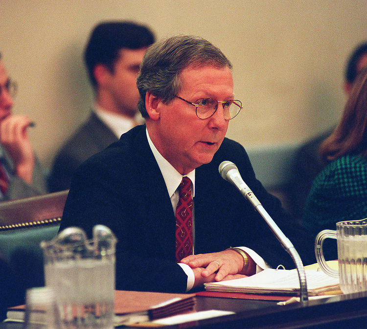 10/28/97. FOREIGN APPROPRIAITIONS CONFERENCE:Chairman Mitch McConnell,R-Ky.,makes his opening statements during the foreign appropriaitions conference..CONGRESSIONAL QUARTERLY PHOTO BY DOUGLAS GRAHAM