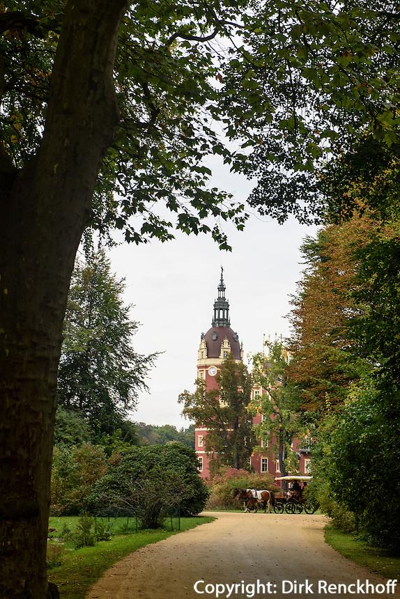 Neues Schloss im F&uuml;rst P&uuml;ckler Park, Bad Muskau, Sachsen, Deutschland, Europa, UNESCO-Weltkulturerbe<br /> New Palace in F&uuml;rst P&uuml;ckler Park, Bad Muskau, Saxony, Germany, Europe, UNESCO-World Heritage