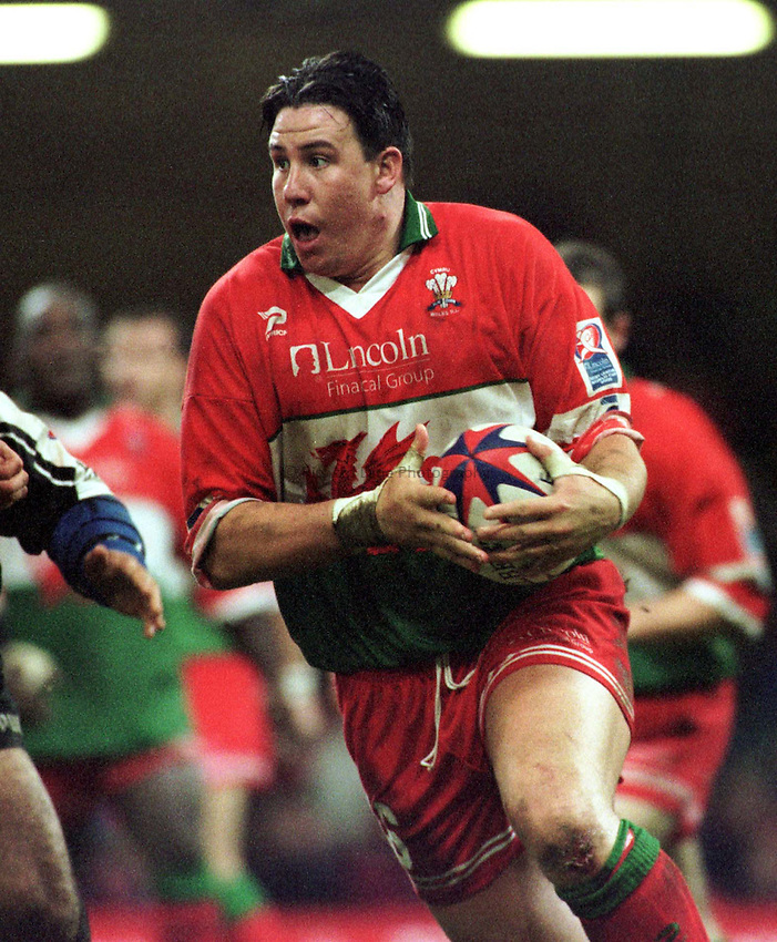Photo : Garvin Davies.Wales v New Zealand Rugby League World Cup 05-11-00.Wales back row forward Paul Highton on the charge
