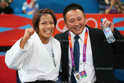 (L to R) Kaori Matsumoto (JPN),  Ryuji Sonoda coach (JPN), .JULY 30, 2012 - Judo : .Women's -57kg Final .at ExCeL .during the London 2012 Olympic Games in London, UK. .(Photo by Daiju Kitamura/AFLO SPORT) [1045].