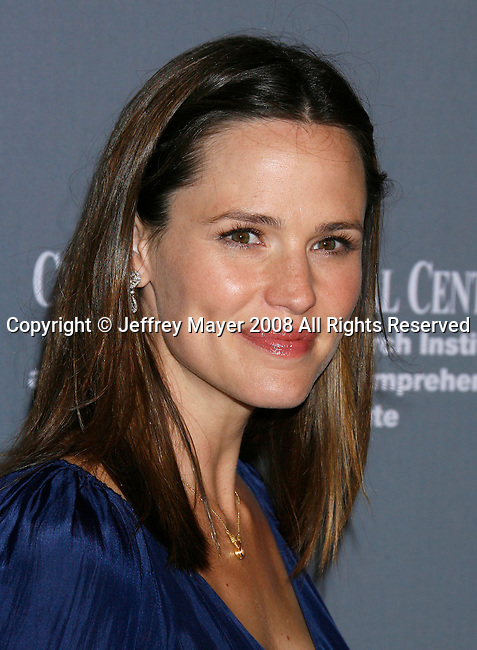 SANTA MONICA, CA. - September 13: Actress Jennifer Garner arrives at the 4th Annual Pink Party at Barker Hanger on September 13, 2008 in Santa Monica, California.