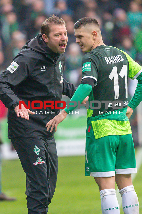 10.02.2019, Weser Stadion, Bremen, GER, 1.FBL, Werder Bremen vs FC Augsburg, <br /> <br /> DFL REGULATIONS PROHIBIT ANY USE OF PHOTOGRAPHS AS IMAGE SEQUENCES AND/OR QUASI-VIDEO.<br /> <br />  im Bild<br /> <br /> Florian Kohfeldt (Trainer SV Werder Bremen)<br /> Milot Rashica (Werder Bremen #11)<br /> Verletzung / verletzt / Schmerzen<br /> Auswechslung<br /> <br /> Foto &copy; nordphoto / Kokenge