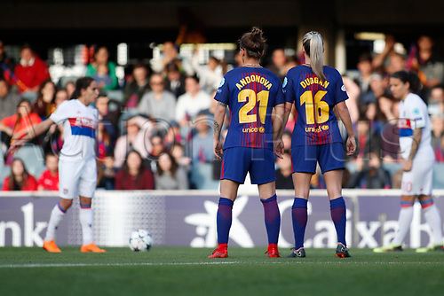 28th March 2018, Mini Estad, Barcelona, Spain; Womens Champions League football, quarter final, 2nd leg, Barcelona Women versus Lyon Women; Natasha Andonova and Toni Duggan of FC Barcelona in to the wall for the free kick from Dzsenifer Marozsán of Olympique Lyonnais