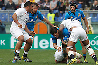 Rugby, Torneo delle Sei Nazioni: Italia vs Inghilterra. Roma, 14 febbraio 2016.<br /> Italy&rsquo;s Alessandro Zanni, right, is challenged by England&rsquo;s George Kruis, bottom, and Courtney Lawes, during the Six Nations rugby union international match between Italy and England at Rome's Olympic stadium, 14 February 2016.<br /> UPDATE IMAGES PRESS/Riccardo De Luca