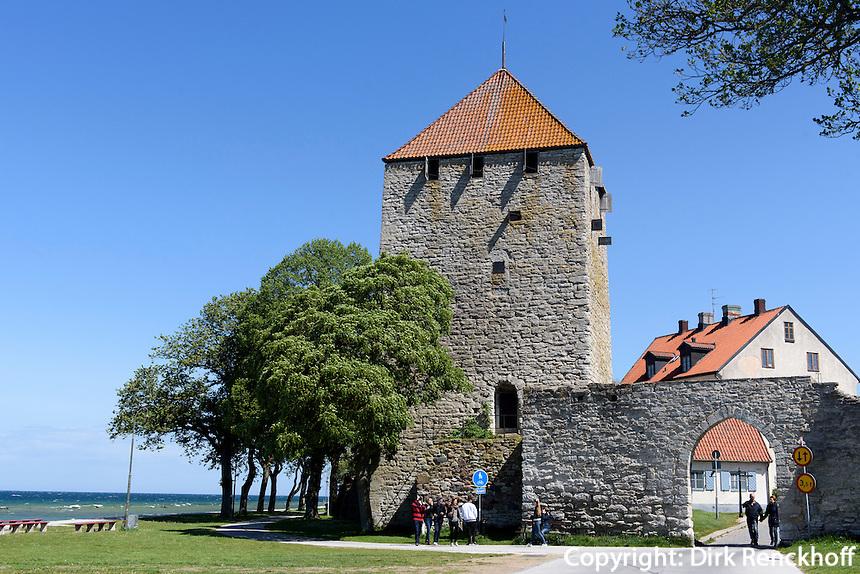 Pulverturm Kruttorn (12.Jh.) in Visby,l Gotland, Schweden, Europa, UNESCO-Weltkulturerbe<br /> Powder tower Kruttorn (12.c.) in Visby, Isle of Gotland, Sweden