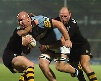 2005/06 Powergen Cup, London Wasps vs Cardiff Blues,  Blues Craig Quinnell, carries the ball as Matt Dawson [left] and Lawrence Dallaglio tackle.  Causeway Stadium, Wycome, ENGLAND, 07.10.2005   © Peter Spurrier/Intersport Images - email images@intersport-images..   [Mandatory Credit, Peter Spurier/ Intersport Images].