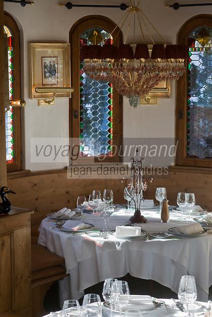 Europe/France/Rhone-Alpes/73/Savoie/Courchevel:  L' Hotel Les Airelles- la salle du restaurant de spécialités savoyardes  (pas le gastro tenu par P Gagnaire)