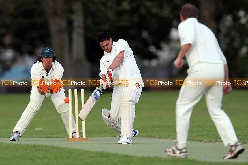 Victoria Lounge CC (fielding) vs Dynamite Ducks CC - Victoria Park Community Cricket League - 28/04/10 - MANDATORY CREDIT: Gavin Ellis/TGSPHOTO - Self billing applies where appropriate - Tel: 0845 094 6026