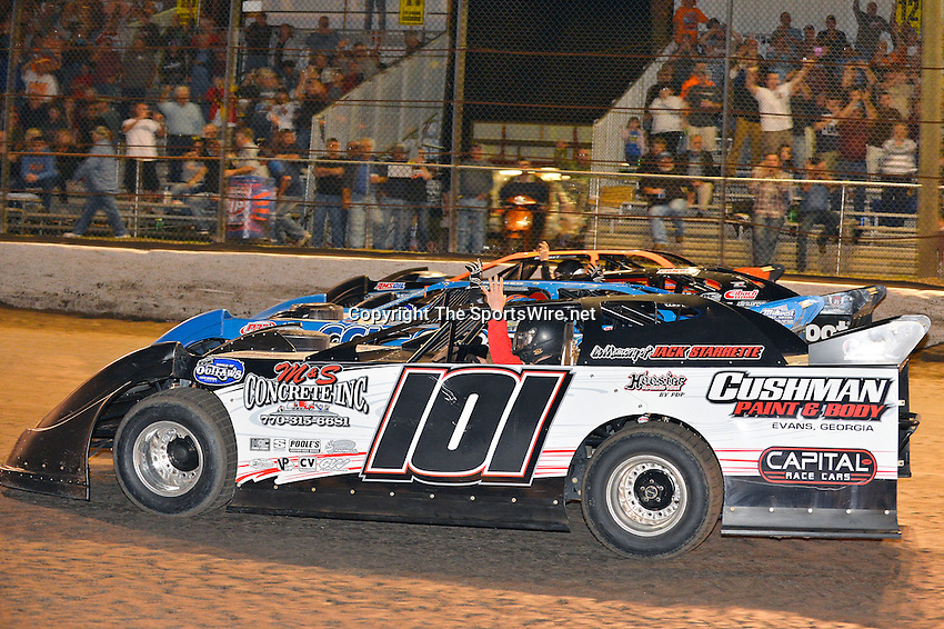 Feb 20, 2014; 9:18:45 PM;  Barberville, FL, USA;  World of Outlaws Late Model Series for 43rd Annual DIRTcar Nationals presented by Summit Racing Equipment at Volusia Speedway Park.  Mandatory Credit: (thesportswire.net)