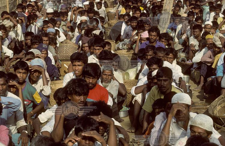 Muslim burmese refugees.