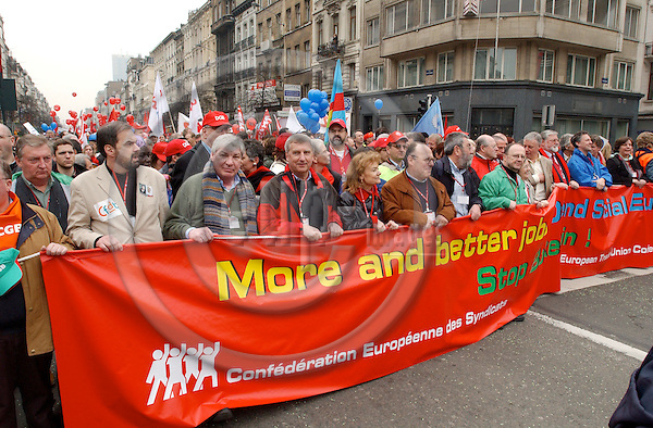 Brussels-Belgium - 19 March 2005---The European Trade Union Confederation (ETUC) called for a demonstration and more than 50.000 demonstrators came into the city of Brussels to demand more and better jobs, to defend a social Europe and to withdraw the Bolkestein directive; here, from left to right: Michael SOMMER, President of DGB (Deutscher Gewerkschaftsbund/German Confederation of Trade Unions), Friedrich/Fritz VERZETNITSCH, President of ÖGB (Oesterreichischer Gewerkschaftsbund/Austrian Confederation of Trade Unions), Ursula ENGELEN-KEFER, Vice-President of DGB, N.N., Cándido MÉNDEZ, President of ETUC---Photo: Horst Wagner/eup-images