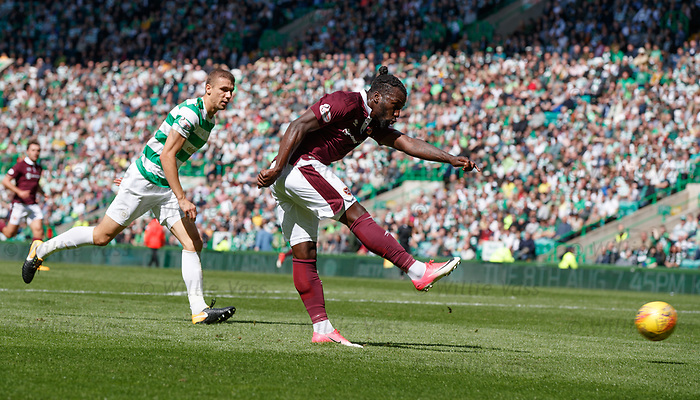 Isma Goncalves scores for Hearts