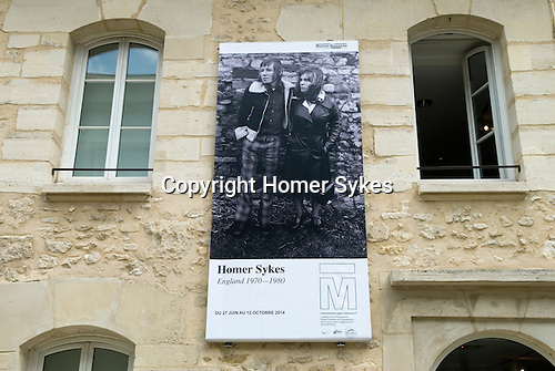 Maison de la Photographie Robert Doisneau, Gentilly, Paris. Homer Sykes; England 1970-1980. 27th June - 12th October 2014. Exhibition in Gentilly, is six stations south of Gare du Nord on the blue line. Then four minute walk from station, follow the M logo on the pavement down the hill. The back of the gallery is in front of you, next to the library.