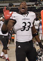 Solomon Tentman waves goodbye to Pitt fans. Cincinnati Bearcats defeated the Pitt Panthers 26-23 at Heinz Field in Pittsburgh, Pennsylvania on November 5, 2011.