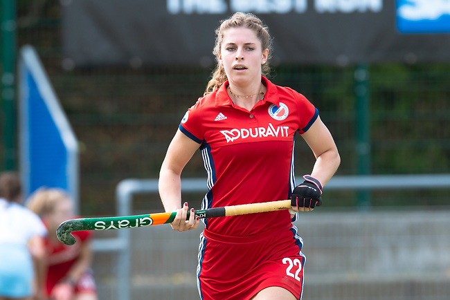 Mannheim, Germany, September 29: During the 1. Bundesliga women fieldhockey match between Mannheimer HC (red) and Zehlendorfer Wespen (white) on September 29, 2019 at Am Neckarkanal in Mannheim, Germany. Final score 5-1 (HT 1-1). (worldsportpics Copyright Dirk Markgraf) ***