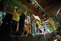 SÃO PAULO,SP, 16.03.2016 - PROTESTO-SP - Manifestantes realizam um protesto na Avenida Paulista, em São Paulo, na noite desta quarta - feira, (16), depois da nomeação do ex- presidente Luiz Inácio Lula da Silva como Ministro Chefe da Casa Civil, no governo de Dilma Rousseff. O grupo pede também pelo impeachment da presidente. (Foto: Gabriel Soares/ Brazil Photo Press)