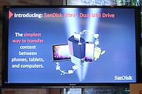 SAO PAULO, SP, 11.02.2014 - Sandisk Ultra Dual USB Drive apresentato durante coletiva de imprensa  produtos da Sandisk nesta terça-feira, 11 na regiao sul da cidade de Sao Paulo. (Foto: Vanessa Carvalho / Brazil Photo Press).