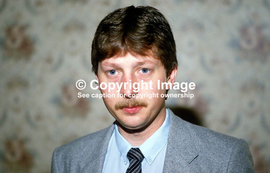 Sammy Wilson, councillor, Belfast City Council, N Ireland, Democratic Unionist Party, 19840061SW..Copyright Image from Victor Patterson, 54 Dorchester Park, Belfast, UK, BT9 6RJ..Tel: +44 28 9066 1296.Mob: +44 7802 353836.Voicemail +44 20 8816 7153.Skype: victorpattersonbelfast.Email: victorpatterson@me.com.Email: victorpatterson@ireland.com (back-up)..IMPORTANT: If you wish to use this image or any other of my images please go to www.victorpatterson.com and click on the Terms & Conditions. Then contact me by email or phone with the reference number(s) of the image(s) concerned.