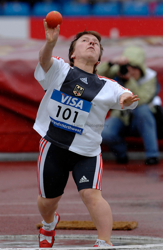 Photo: Richard Lane..VISA Paralympic World Cup 2007. Athletics. 13/05/2007. .Petra Hoemmen of Germany in the women's F40 shot put.