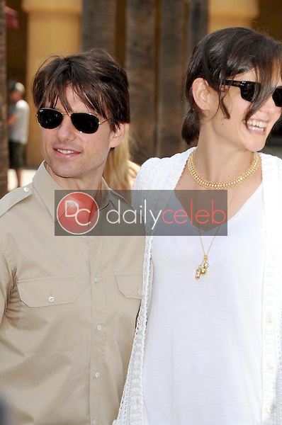 Tom Cruise and Katie Holmes<br />at the Ceremony honoring Cameron Diaz with a Star on the Hollywood Walk of Fame. Hollywood Boulevard, Hollywood, CA. 06-22-09<br />Dave Edwards/DailyCeleb.com 818-249-4998
