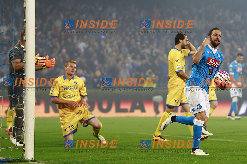 Esultanza dopo il gol di Gonzalo Higuain Napoli, goal celebration   <br /> Napoli 14-05-2016 Stadio San Paolo<br /> Football Calcio Serie A 2015/2016 Napoli - Frosinone<br /> Foto Cesare Purini / Insidefoto