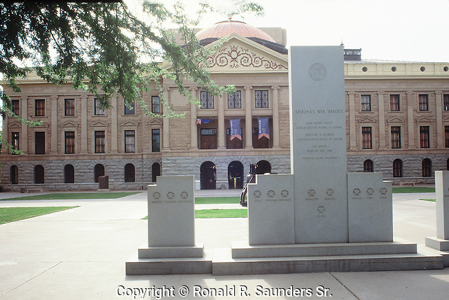MEMORIAL TO ARIZONA WAR HEROES IN FRONT OF THE STATE CAPITAL BUILDING