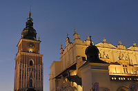Poland, Krakow, St. Mary's Church, Rynek Glowny, Grand Square, at night